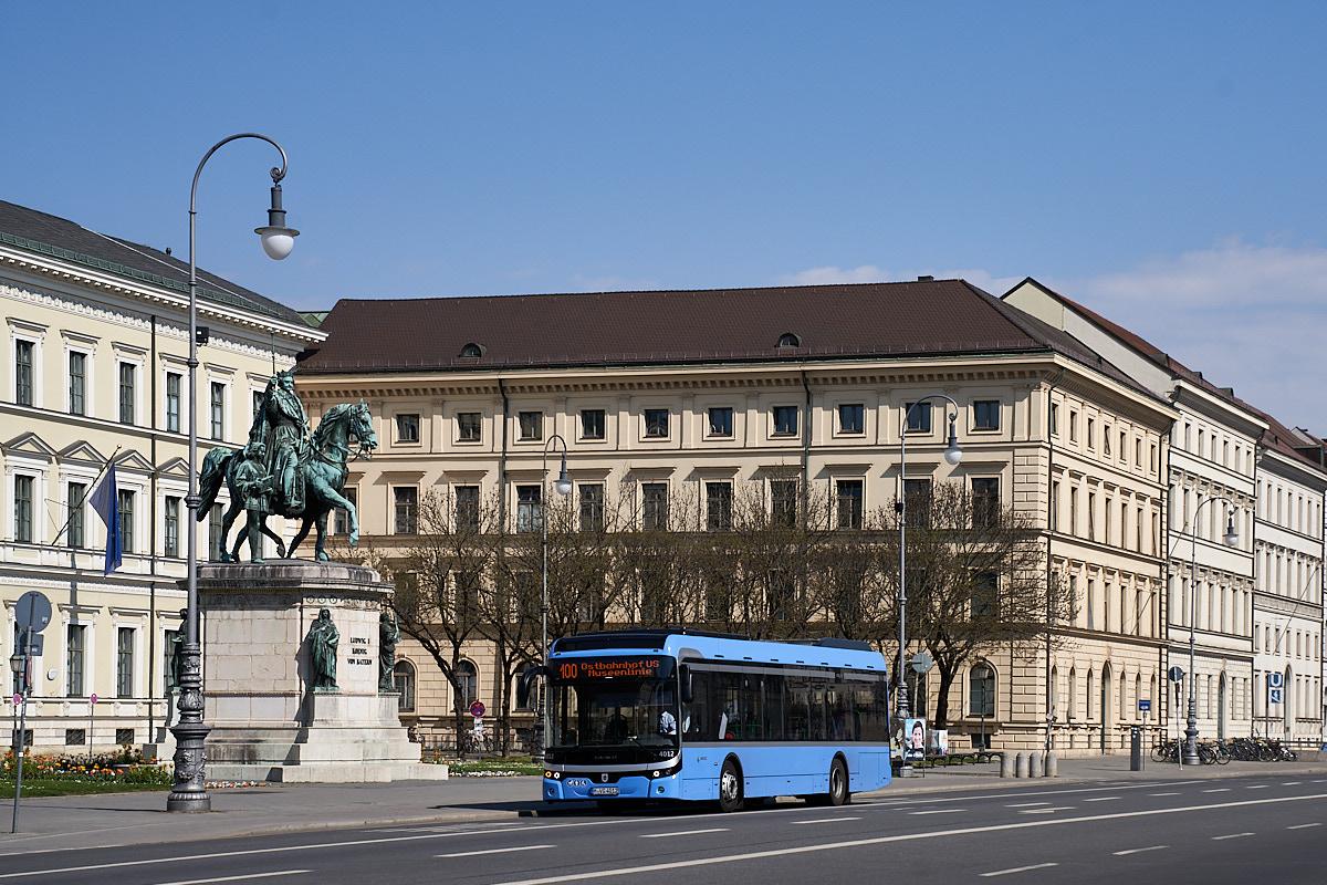 http://bus.es85.de/DE.MVG_eigene/MVG4012_100_Odeonsplatz.jpg
