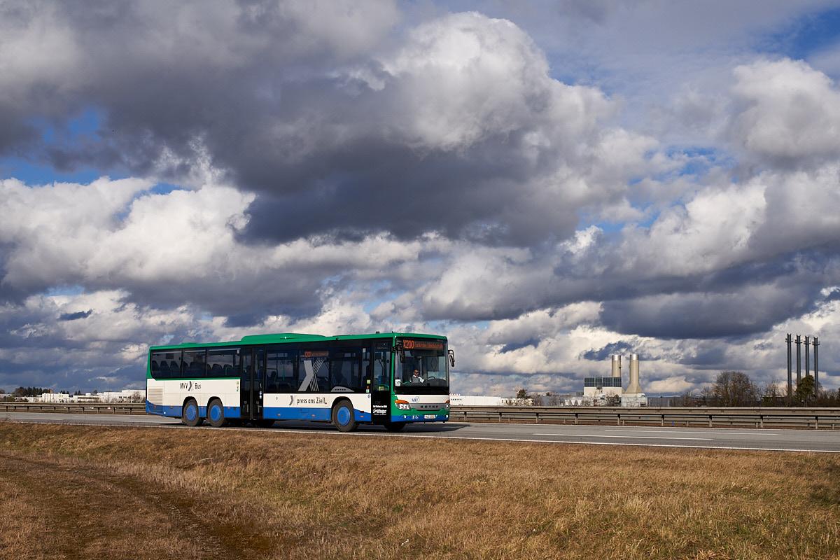 https://bus.es85.de/DE.MVV_Geldhauser/MC3263_X200_A8.jpg