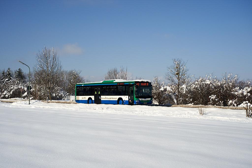 http://bus.es85.de/DE.MVV_sonstige/INDB1621_242_Salmdorf.jpg